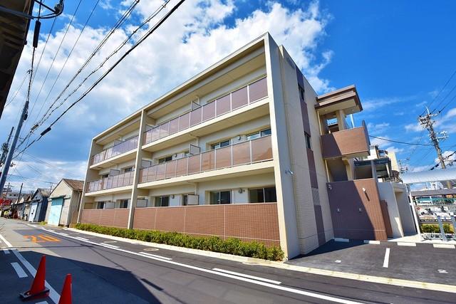 シャンテ高井田の外観