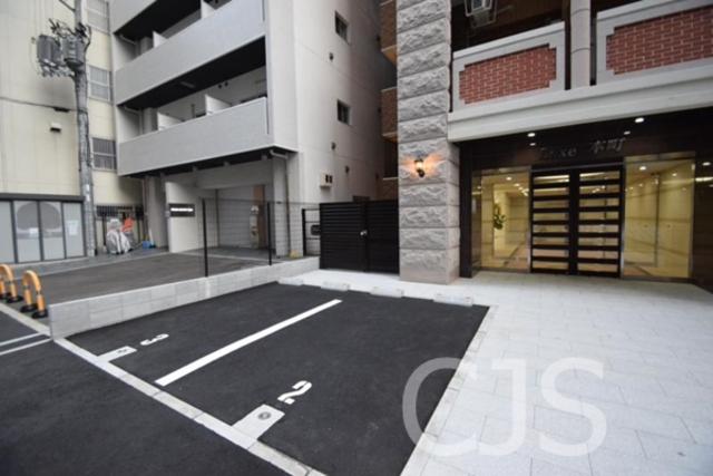 Luxe本町の外観