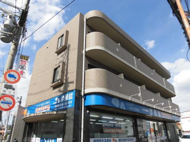 カーサ北桜塚の外観