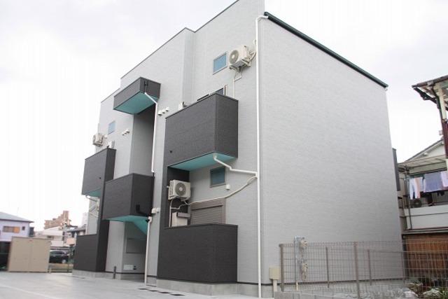 ユースビレッジ東大阪角田の外観