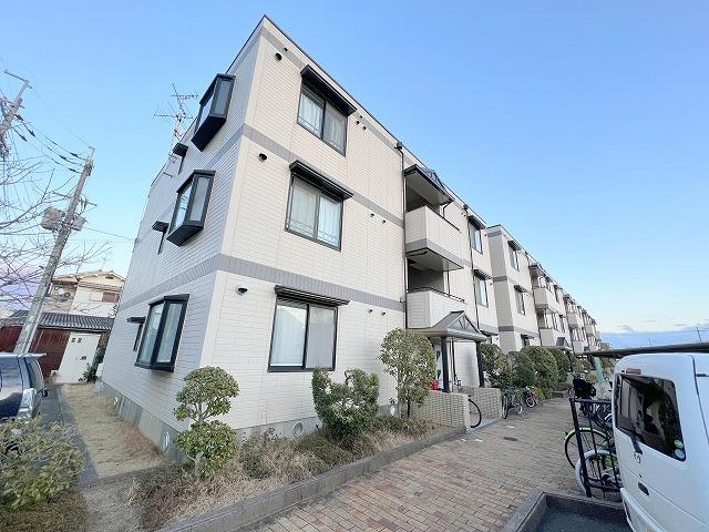 サニープラザA・B・C棟の外観