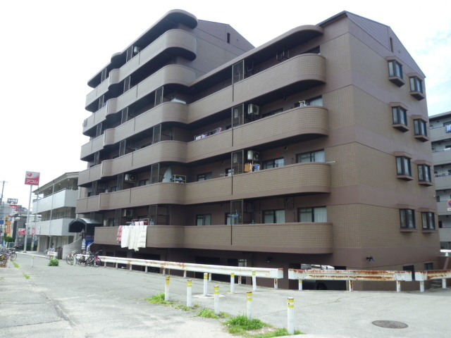 レシェンテ武庫之荘の外観