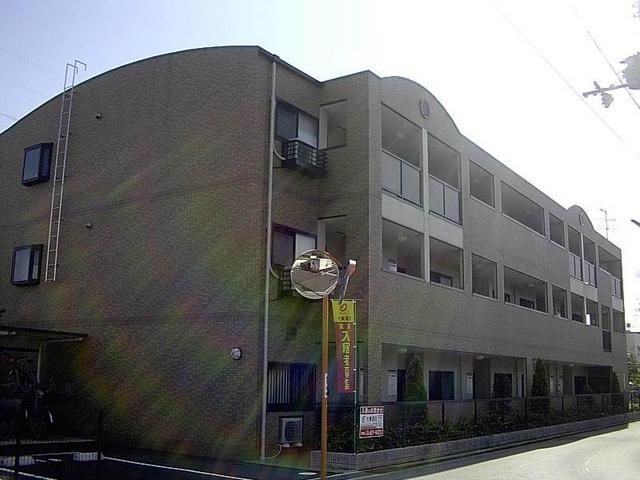 グリーンコート西田の外観