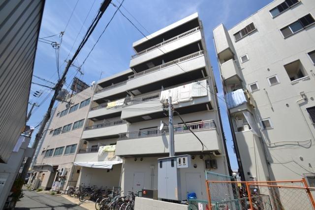 尼崎センタービルの外観