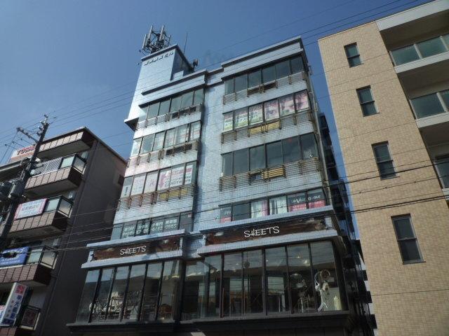 園田駅前ビルの外観