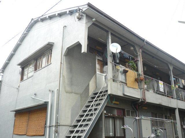 MAYUMIハイツ寝屋川1番館の外観