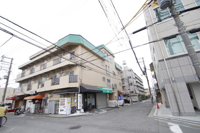 マンション富士2号館の外観