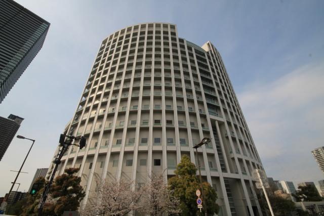 ブランズタワー御堂筋本町の外観