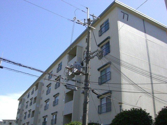 富田団地26棟の外観