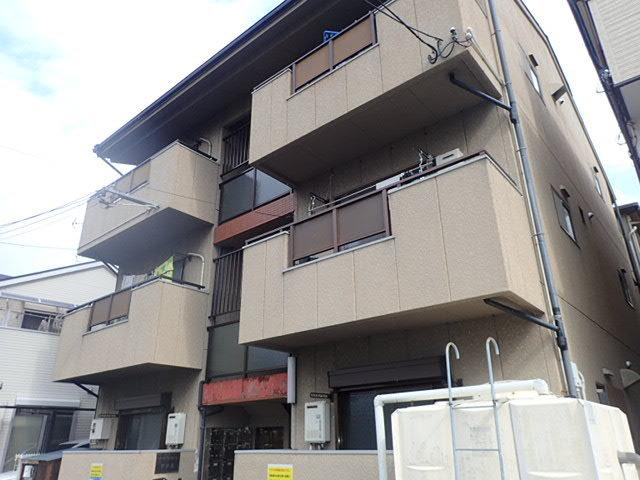 アーバンコート東奈良の外観