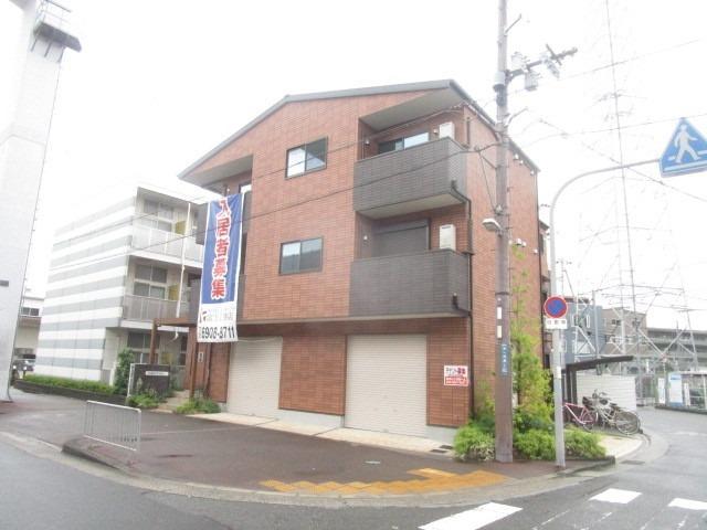 富士林プラザ11番館の外観