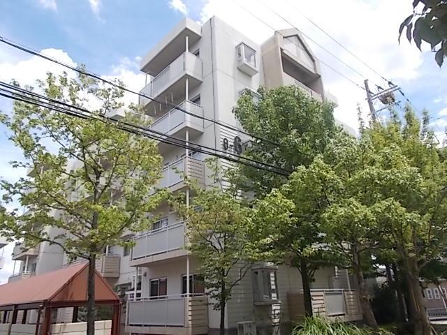 高槻・阿武山八番街-6の外観