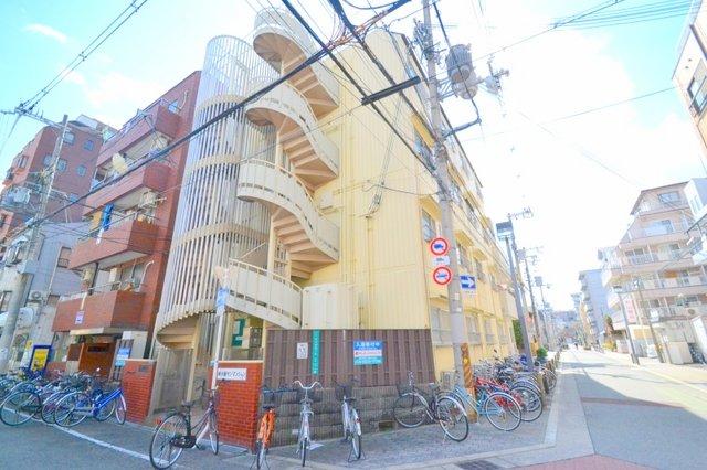 新大阪サンマンション2号棟の外観