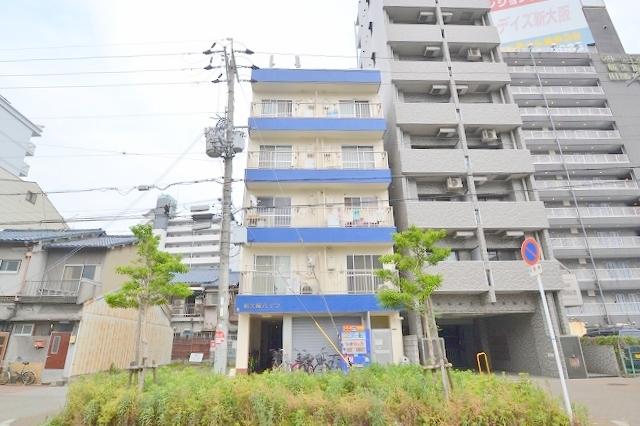 新大阪ハイツの外観
