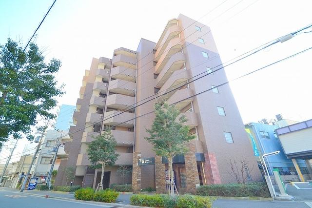 クレアート新大阪セレニティの外観