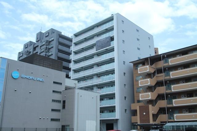 コンフォリア江坂広芝町の外観
