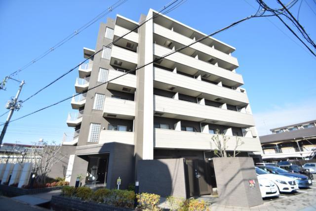 山崎第13マンションの外観