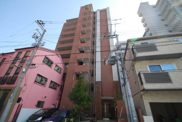 ラクラス大阪城の外観