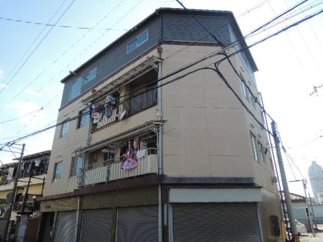 田上マンションの外観