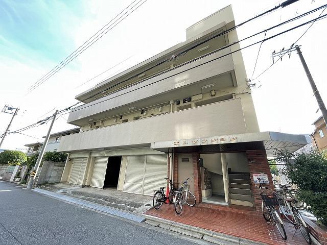稲川マンションの外観