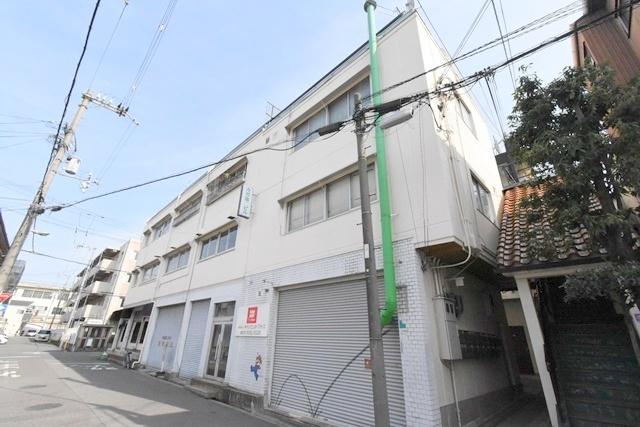 カガマンションの外観