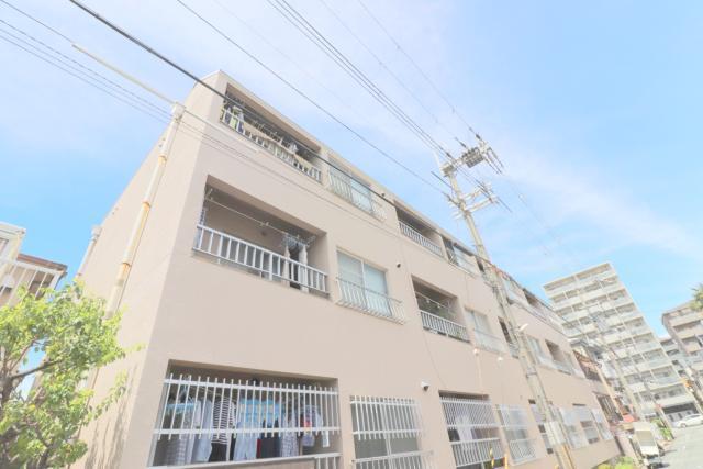 栄和第1マンションの外観