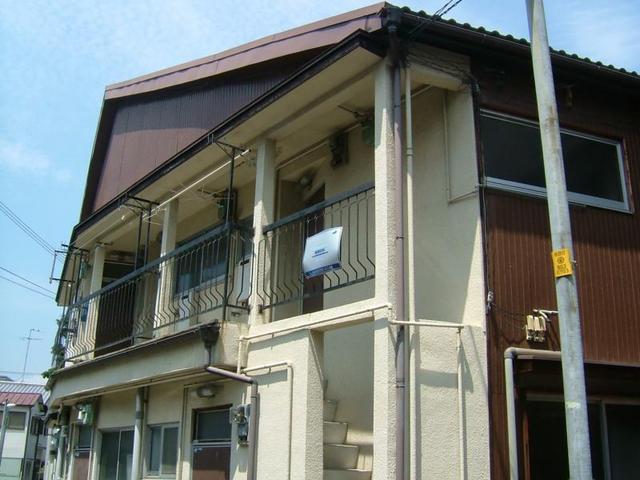 泉町大栄ハイツA棟の外観
