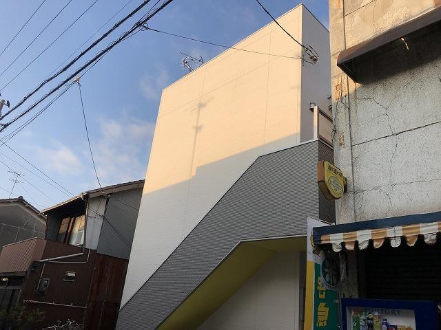 フルハウス尼崎の外観