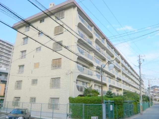 日商岩井甲陽園マンションの外観
