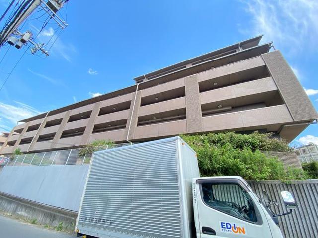 グランエターナ大阪学生会館の外観