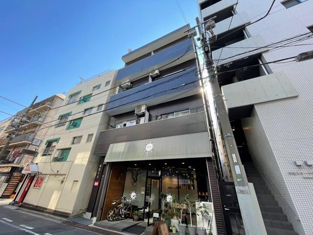 塚田ビルの外観