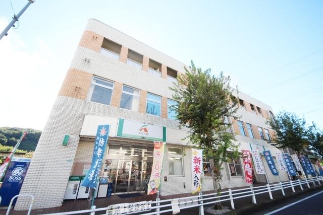 三郷駅前マンションの外観