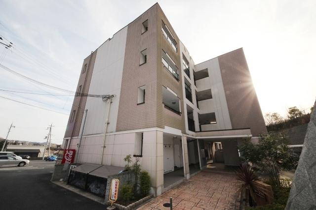 セレーノ東生駒B棟の外観
