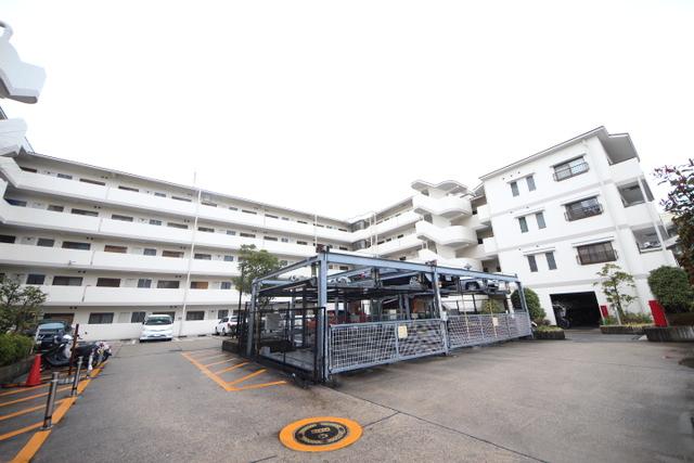 ライオンズマンション生駒俵口二番館の外観