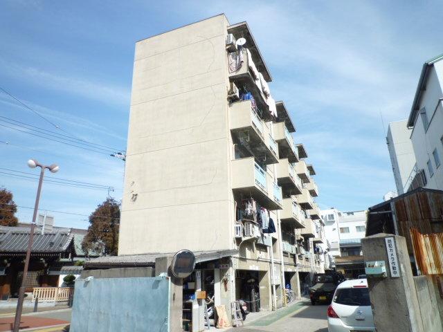 前田住宅ビルの外観