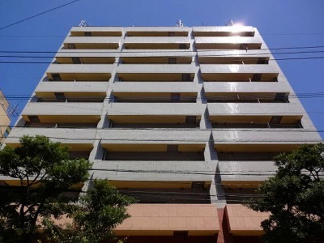 ダイナコート大博通りの外観