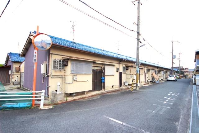 奈良市大安寺6丁目貸家の外観