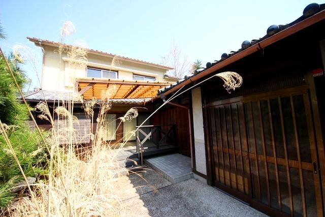 奈良市高畑町(2階建)の賃貸物...