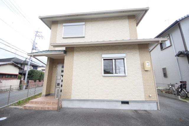 松田タウンハウス4 1号棟の外観