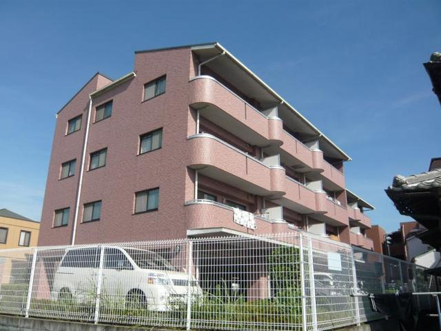 アビタシオン長尾駅前の外観