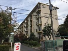 男山第4住宅303号棟