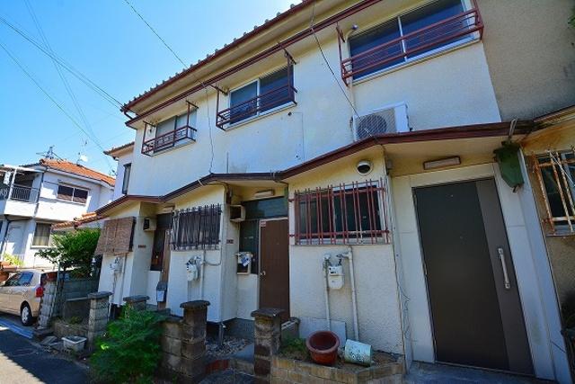 小倉町テラスハウスの外観