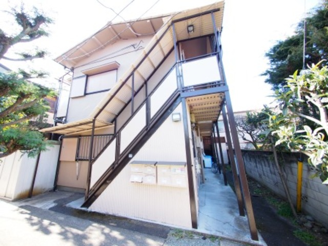 松井荘の外観