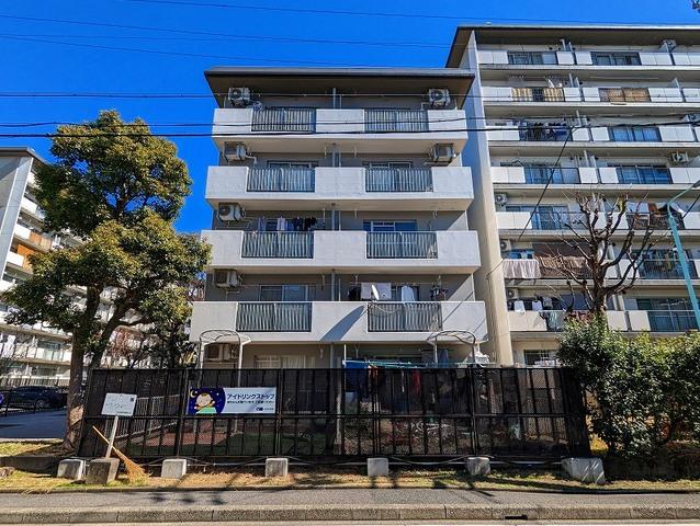 桜田団地 5号棟の外観