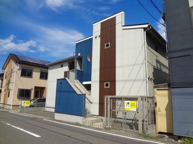 クレフラスト貝塚駅北の外観