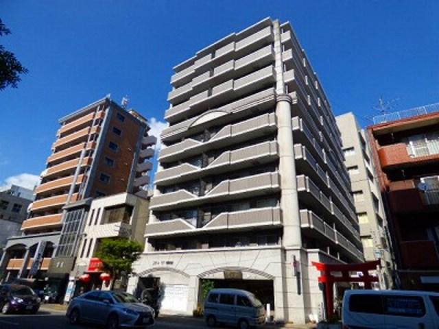 エステートモア平尾駅前通りの外観
