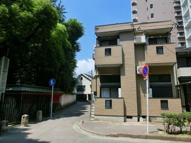 ピュア箱崎八番館の外観
