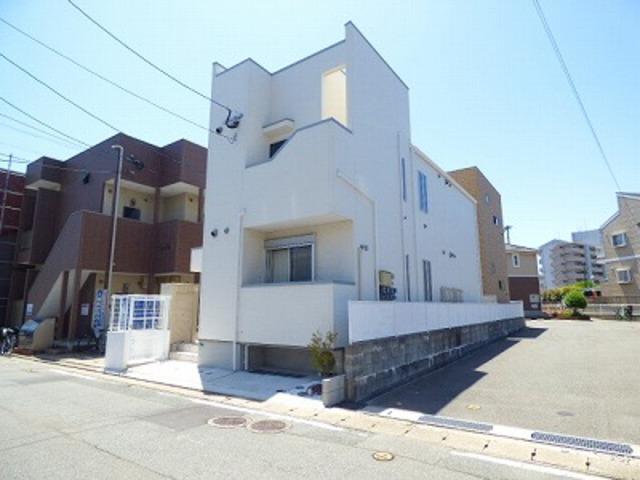 Grandtic 吉塚駅南の外観