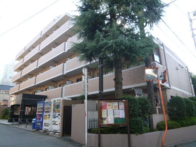グレンパーク新宿弐番館の外観