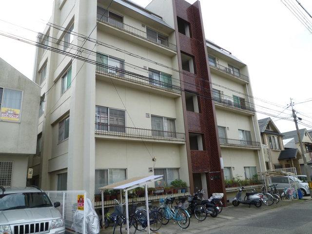 戸川マンションの外観